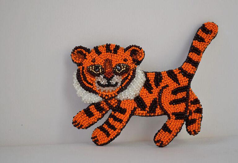 Поделки тигра на Новый год 2022 своими руками из подручных материалов этап 21