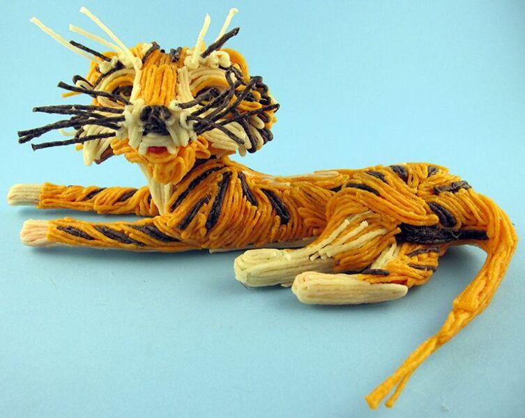 Поделки тигра на Новый год 2022 своими руками из подручных материалов этап 25